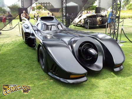 Tim-Burton-Movie-Batmobile-Comic-Con-2012-rsz